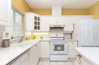 """Photo 9: 152 2979 PANORAMA Drive in Coquitlam: Westwood Plateau Townhouse for sale in """"Deercrest Estates"""" : MLS®# R2411444"""