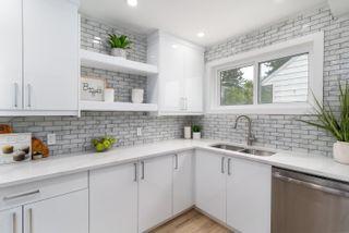 Photo 3: 11210 105 Street in Edmonton: Zone 08 House for sale : MLS®# E4245293