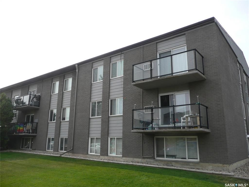 Main Photo: 20 2 Summers Place in Saskatoon: West College Park Residential for sale : MLS®# SK865312