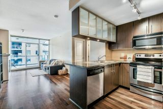 """Photo 4: 3009 892 CARNARVON Street in New Westminster: Downtown NW Condo for sale in """"AZURE 2"""" : MLS®# R2531047"""