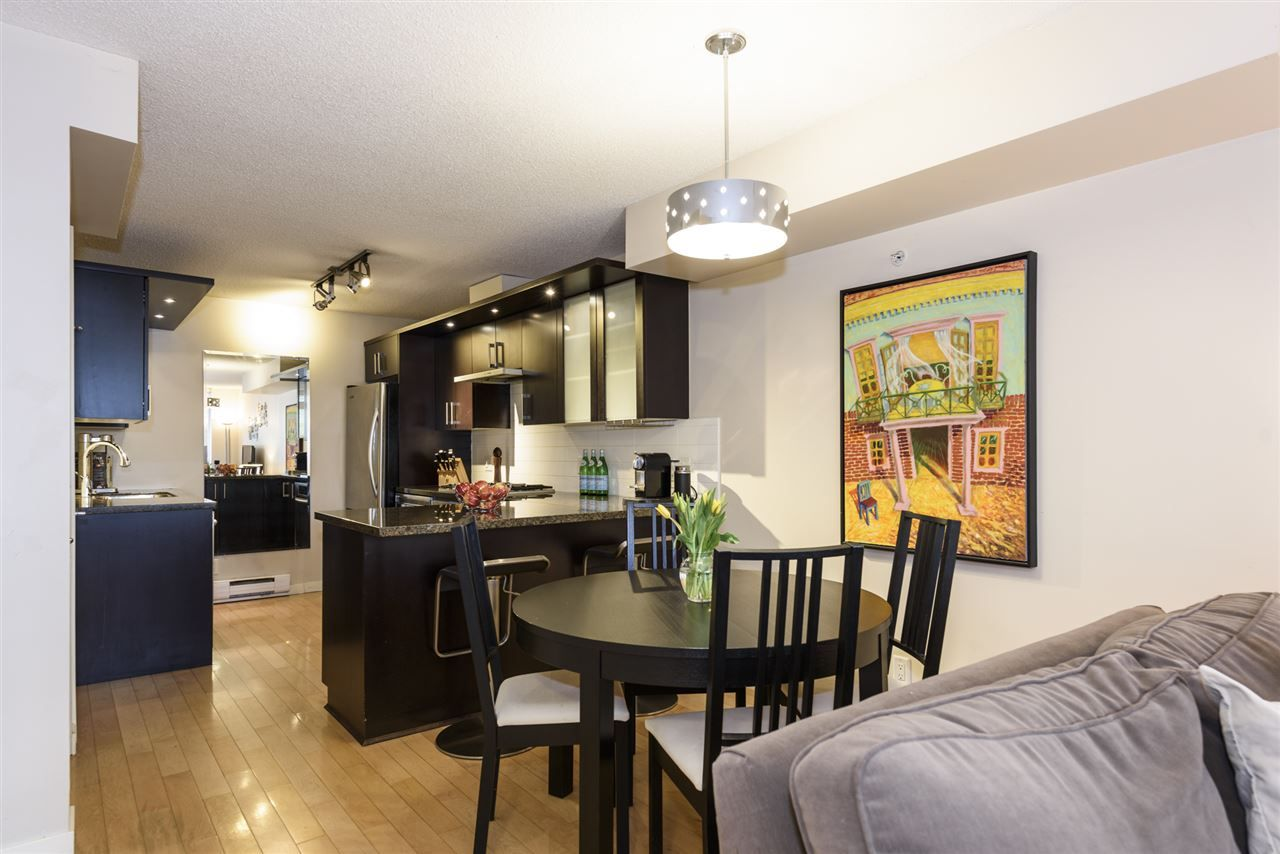 Photo 3: Photos: 1644 W 7TH AVENUE in Vancouver: Fairview VW Townhouse for sale (Vancouver West)  : MLS®# R2543861