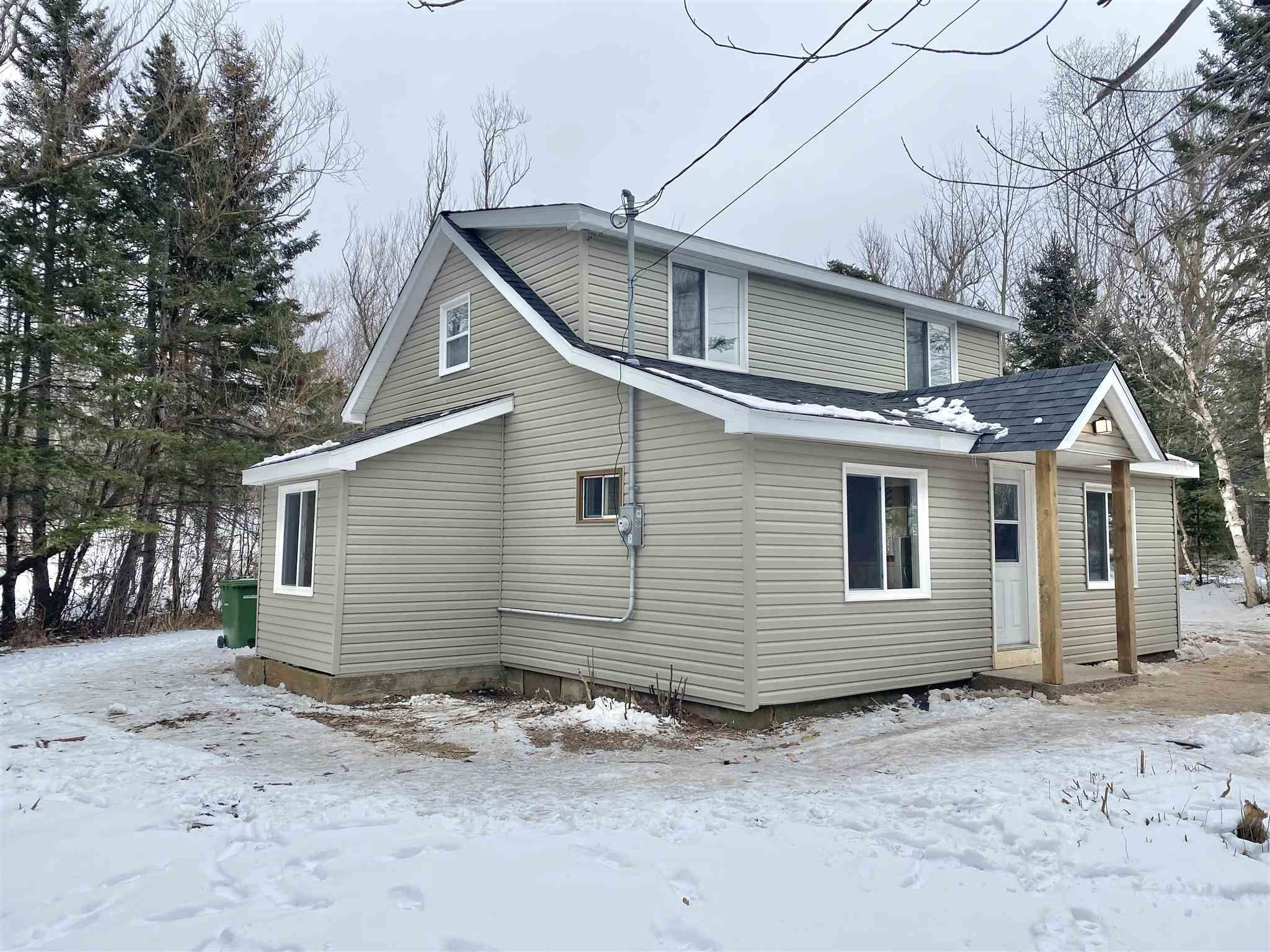 Main Photo: 12657 Highway 1 in Avonport: 404-Kings County Residential for sale (Annapolis Valley)  : MLS®# 202101702