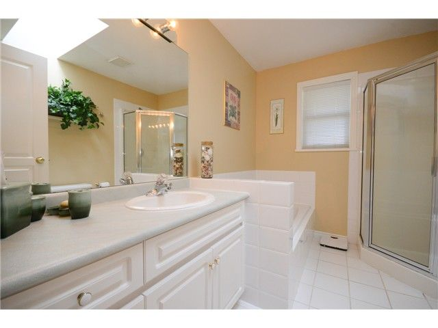 """Photo 16: Photos: 1648 SPYGLASS Crescent in Tsawwassen: Cliff Drive House for sale in """"Imperial Village"""" : MLS®# V1114197"""