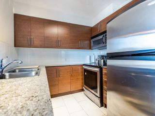 """Photo 8: 803 813 AGNES Street in New Westminster: Downtown NW Condo for sale in """"The News"""" : MLS®# R2435309"""