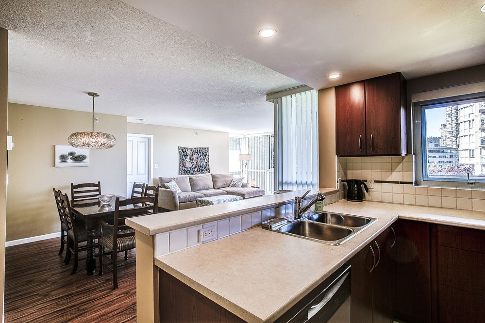 """Photo 7: Photos: 403 235 GUILDFORD Way in Port Moody: North Shore Pt Moody Condo for sale in """"THE SINCLAIR"""" : MLS®# R2187020"""