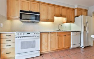 Photo 13: 1102 60 Inverlochy Boulevard in Markham: Royal Orchard Condo for sale : MLS®# N5402290