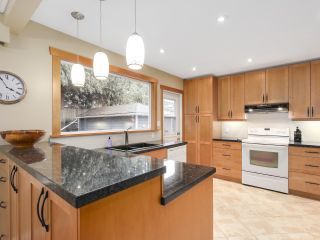 Photo 15: 1920 Ridgeway Avenue in North Vancouver: Central Lonsdale House  : MLS®# R2147491