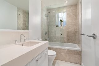 "Photo 17: 209 1055 RIDGEWOOD Drive in North Vancouver: Edgemont Townhouse for sale in ""CONNAUGHT"" : MLS®# R2552673"