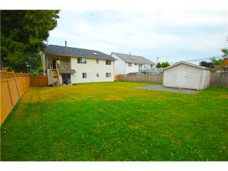 """Photo 12: 6017 189TH Street in Surrey: Cloverdale BC House for sale in """"CLOVERHILL"""" (Cloverdale)  : MLS®# F1423444"""