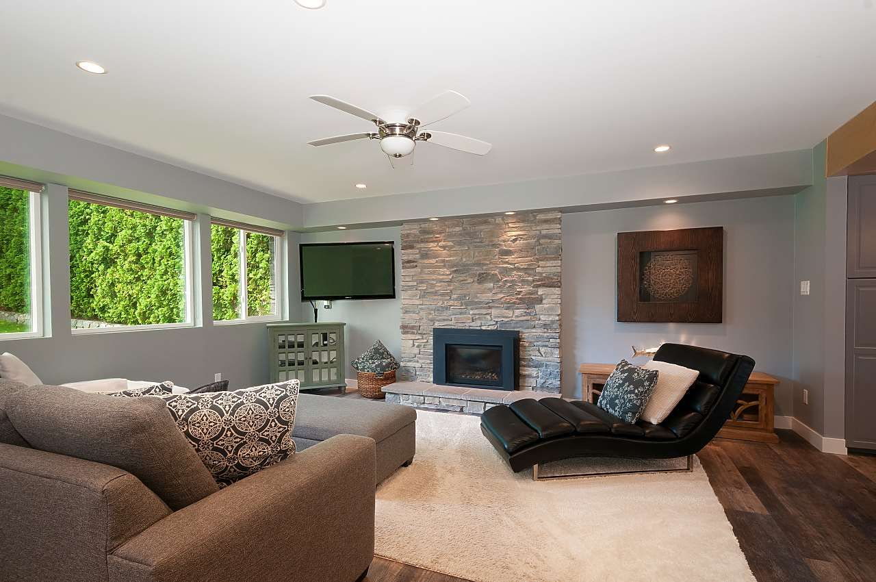 Photo 5: Photos: 4360 NOTTINGHAM ROAD in North Vancouver: Lynn Valley House for sale : MLS®# R2394443