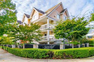 "Photo 1: 305 1685 152A Street in Surrey: King George Corridor Condo for sale in ""Suncliff Place"" (South Surrey White Rock)  : MLS®# R2541248"