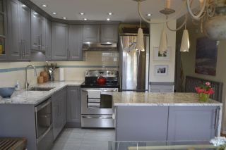 """Photo 7: 406 2409 W 43RD Avenue in Vancouver: Kerrisdale Condo for sale in """"BALSAM COURT"""" (Vancouver West)  : MLS®# R2306176"""