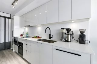 """Photo 3: 210 630 E BROADWAY in Vancouver: Mount Pleasant VE Condo for sale in """"MIDTOWN MODERN"""" (Vancouver East)  : MLS®# R2466834"""