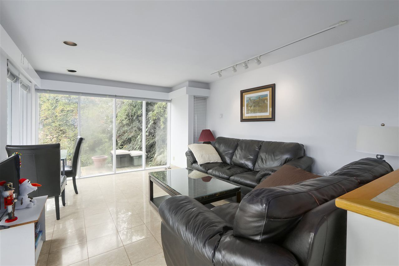 Photo 5: Photos: 6253 ST. GEORGES Crescent in West Vancouver: Gleneagles House for sale : MLS®# R2526812
