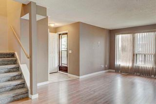Photo 4: 39 TEMPLETON Bay NE in Calgary: Temple Detached for sale : MLS®# C4261521