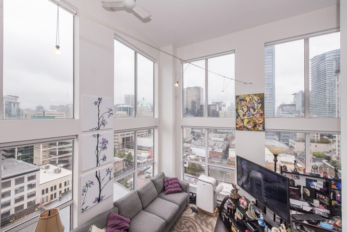 "Main Photo: 1001 933 SEYMOUR Street in Vancouver: Downtown VW Condo for sale in ""The Spot"" (Vancouver West)  : MLS®# R2212906"