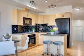 Photo 7: 307 3412 Parkdale Boulevard NW in Calgary: Parkdale Apartment for sale : MLS®# A1096113