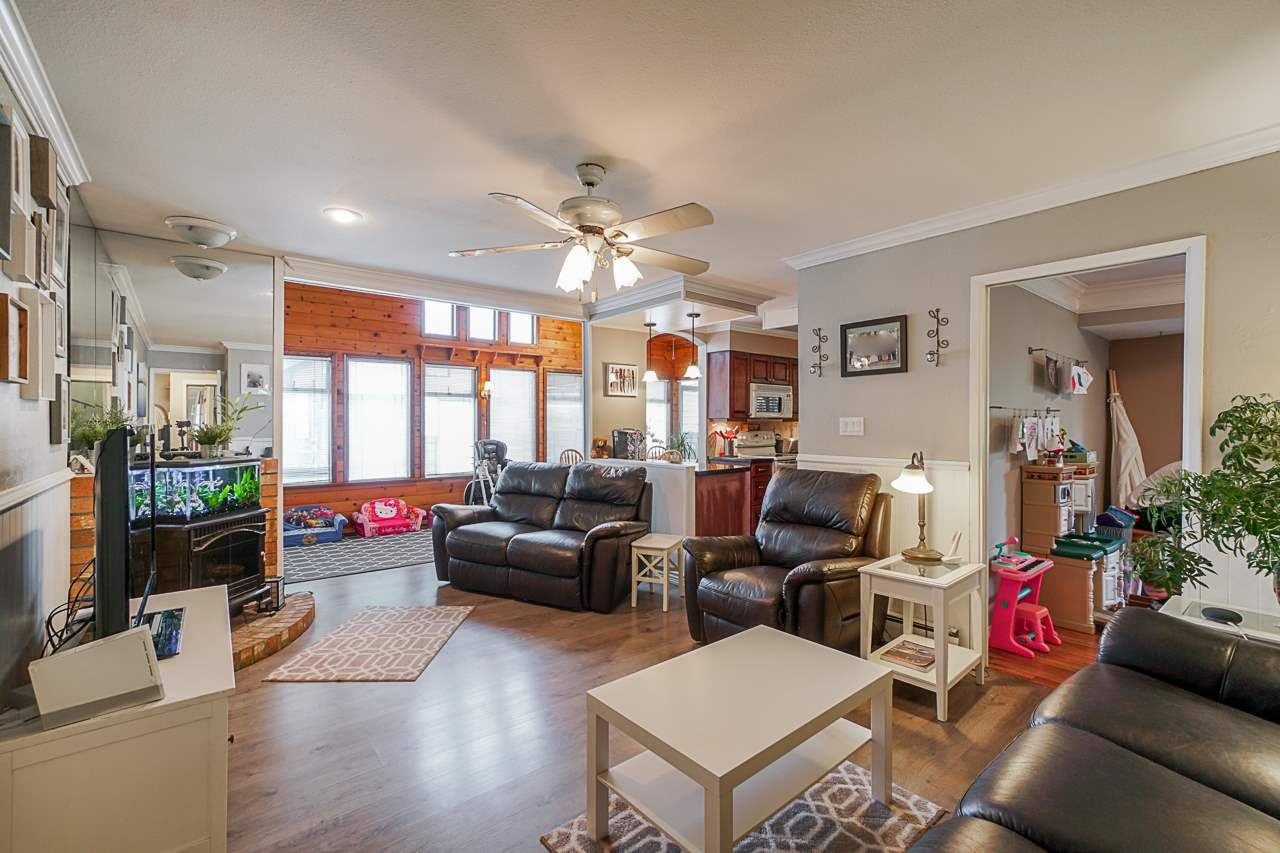"""Photo 4: Photos: 6240 STEVESTON Highway in Richmond: Gilmore House for sale in """"WESTWIND GREENHOUSES"""" : MLS®# R2510505"""