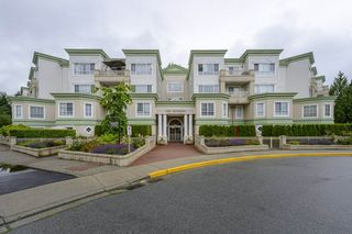 Photo 3: 101 2960 PRINCESS CRESCENT in Coquitlam: Canyon Springs Condo for sale : MLS®# R2474240