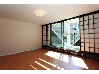"""Photo 5: 2227 OAK Street in Vancouver: Fairview VW Townhouse for sale in """"THE SIXTH ESTATE"""" (Vancouver West)  : MLS®# V849884"""