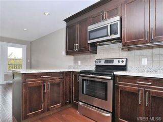 Photo 2: 107 990 Rattanwood Pl in VICTORIA: La Happy Valley Row/Townhouse for sale (Langford)  : MLS®# 679407