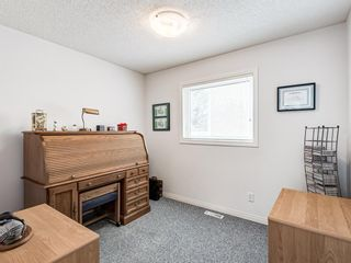 Photo 20: 54 Signature Close SW in Calgary: Signal Hill Detached for sale : MLS®# A1138139