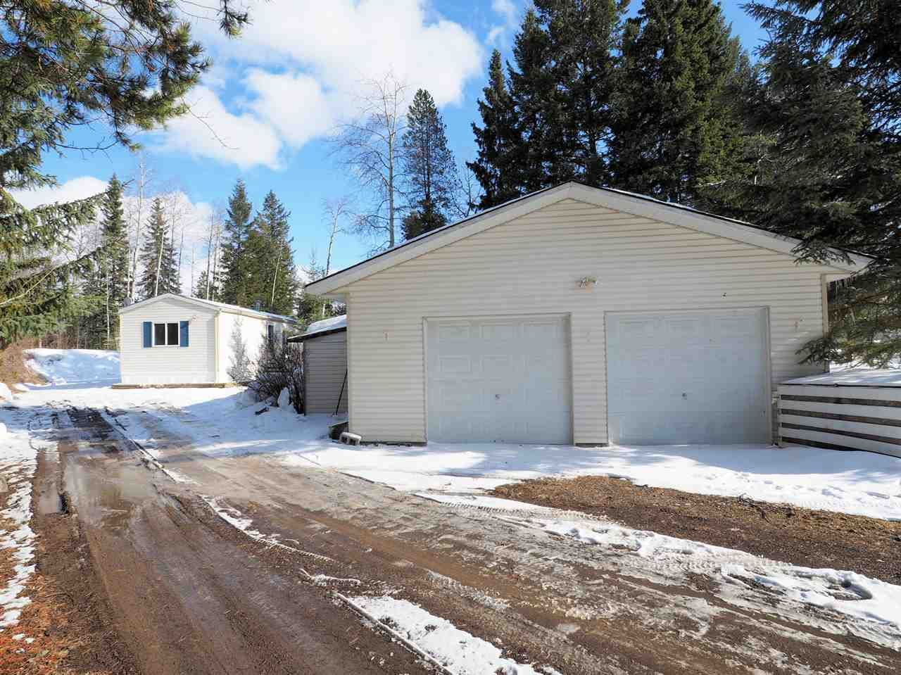 Main Photo: 6485 MERCER Road in 100 Mile House: 100 Mile House - Rural Manufactured Home for sale (100 Mile House (Zone 10))  : MLS®# R2559201
