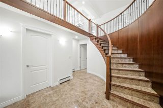 Photo 3: 32712 LIGHTBODY Court in Mission: Mission BC House for sale : MLS®# R2478291