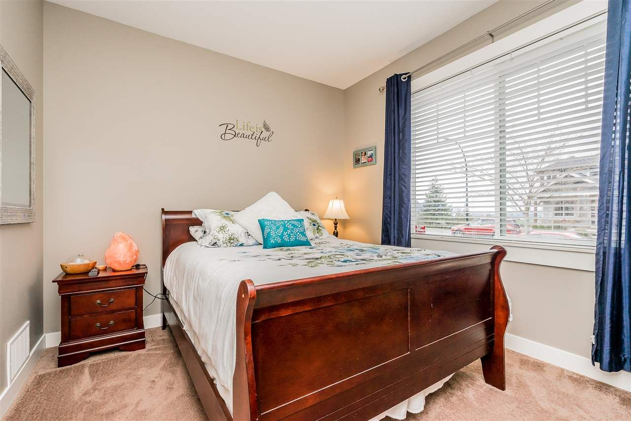 Photo 16: Photos: 51022 SOPHIE Crescent in Chilliwack: Eastern Hillsides House for sale : MLS®# R2437084