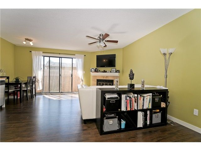 """Main Photo: 101 11724 225TH Street in Maple Ridge: East Central Condo for sale in """"ROYAL TERRACE"""" : MLS®# V971774"""