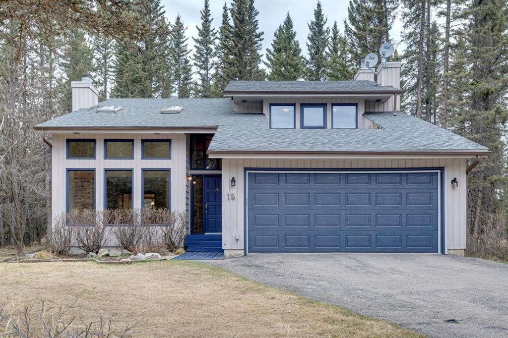 Main Photo: 15 Wolf Drive: Bragg Creek Detached for sale : MLS®# A1105393