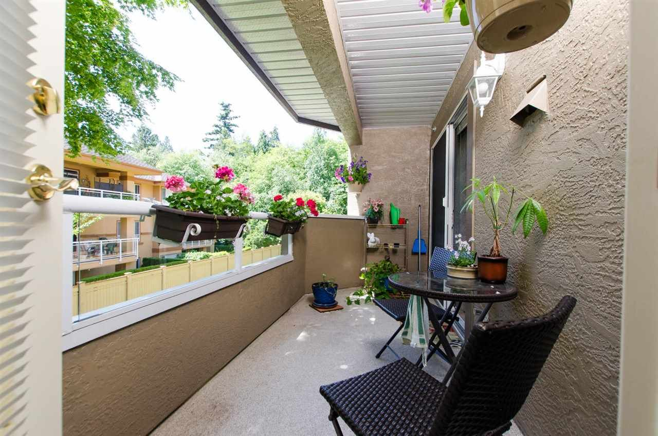 "Photo 12: Photos: 216 2239 152 Street in Surrey: Sunnyside Park Surrey Condo for sale in ""Semiahmoo Estates"" (South Surrey White Rock)  : MLS®# R2163990"