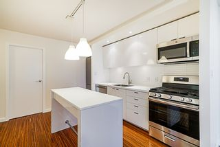 "Photo 7: 906 328 E 11TH Avenue in Vancouver: Mount Pleasant VE Condo for sale in ""UNO"" (Vancouver East)  : MLS®# R2329083"