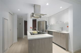 """Photo 4: 402 1050 BURRARD Street in Vancouver: Downtown VW Condo for sale in """"WALL CENTRE"""" (Vancouver West)  : MLS®# R2362675"""