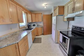 Photo 7: 978 Fraser Place in Prince Albert: Crescent Heights Residential for sale : MLS®# SK843183