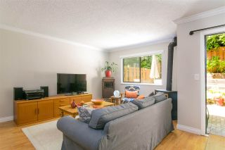 """Photo 2: 203 CARDIFF Way in Port Moody: College Park PM Townhouse for sale in """"Easthill"""" : MLS®# R2380723"""