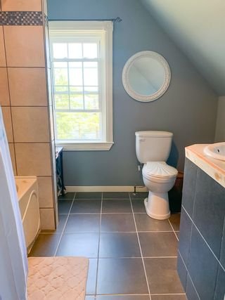 Photo 17: 2346 Highway 331 in Pleasantville: 405-Lunenburg County Residential for sale (South Shore)  : MLS®# 202114978