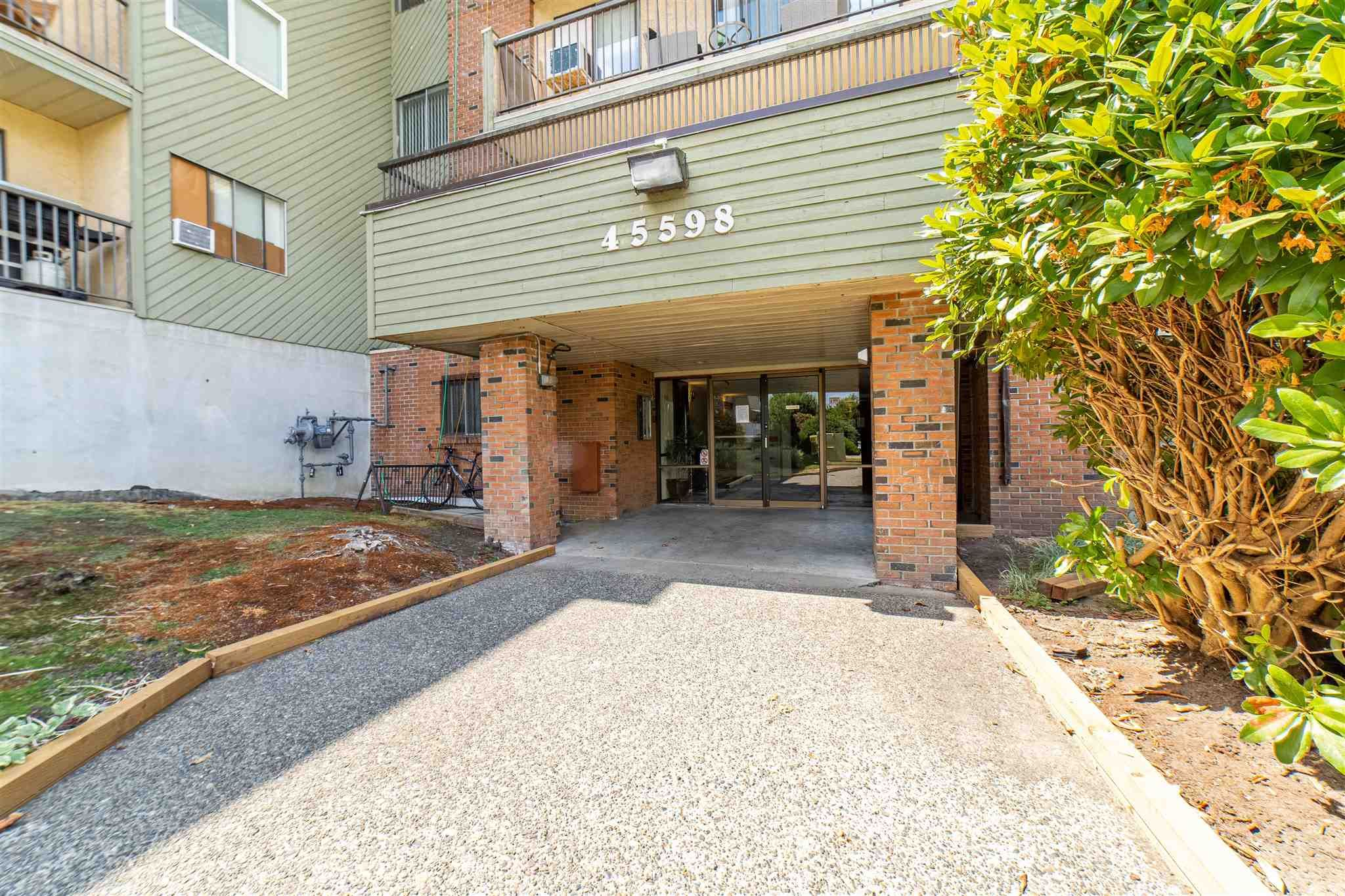 Main Photo: 308 45598 MCINTOSH Drive in Chilliwack: Chilliwack W Young-Well Condo for sale : MLS®# R2603170