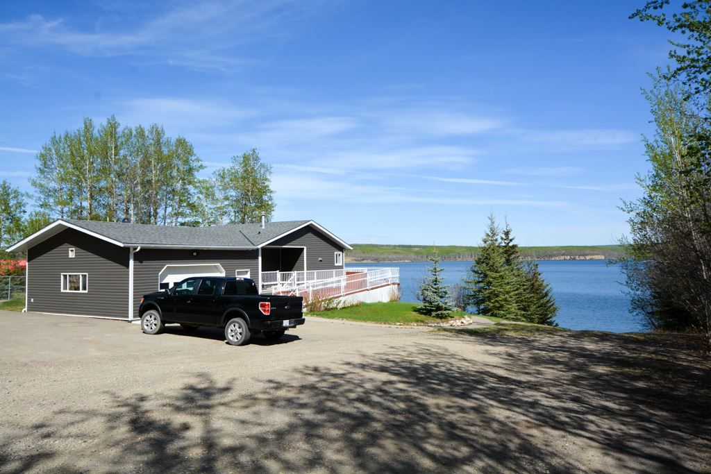 Main Photo: 13767 GOLF COURSE Road: Charlie Lake Manufactured Home for sale (Fort St. John (Zone 60))  : MLS®# R2062557