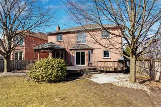 Photo 20: 37 Lofthouse Dr in Whitby: Rolling Acres Freehold for sale : MLS®# E4053705