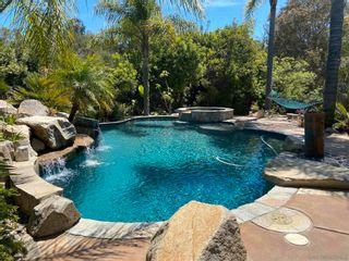 Photo 4: VISTA House for sale : 3 bedrooms : 883 Evergreen Lane