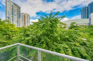 """Photo 3: 127 REGIMENT Square in Vancouver: Downtown VW Condo for sale in """"Spectrum"""" (Vancouver West)  : MLS®# R2590314"""