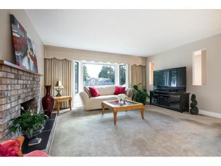 """Photo 5: 6155 131 Street in Surrey: Panorama Ridge House for sale in """"PANORAMA PARK"""" : MLS®# R2556779"""