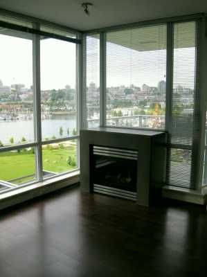 """Photo 3: 907 638 BEACH CR in Vancouver: False Creek North Condo for sale in """"ICON"""" (Vancouver West)  : MLS®# V608921"""