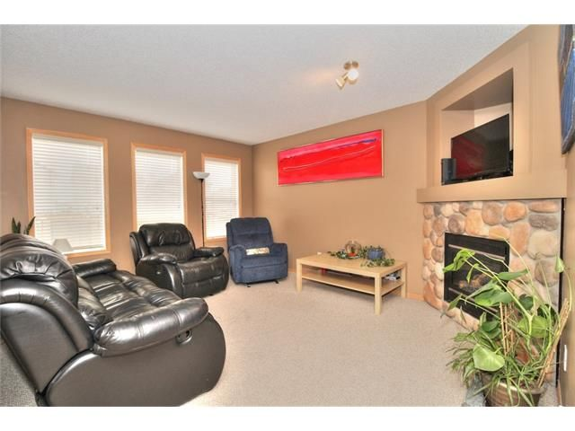 Photo 15: Photos: 304 EVERSYDE Circle SW in Calgary: Evergreen House for sale : MLS®# C4035934