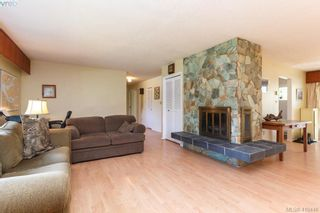 Photo 6: 618 Goldie Ave in VICTORIA: La Thetis Heights House for sale (Langford)  : MLS®# 813665