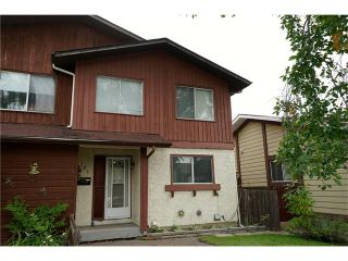 Photo 1: 121 WHITEWOOD Place NE in Calgary: Whitehorn House for sale : MLS®# C4080124