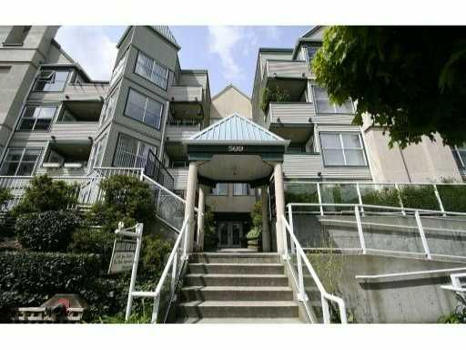 Main Photo: 110 509 Carnarvon Street in New Westminster: Downtown NW Condo for sale : MLS®# V826956