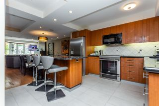 """Photo 2: TH16 1501 HOWE Street in Vancouver: Yaletown Townhouse for sale in """"OCEAN TOWER AT 888 BEACH"""" (Vancouver West)  : MLS®# R2528956"""
