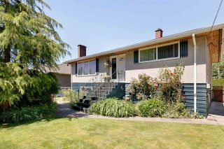 Photo 2: 1207 FOSTER Avenue in Coquitlam: Central Coquitlam House for sale : MLS®# R2586745